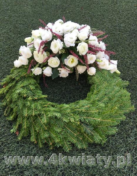 wieniec na pogrzeb, wieniec rzymski, wieniec z białych kwiatów, wieniec z wrzosem