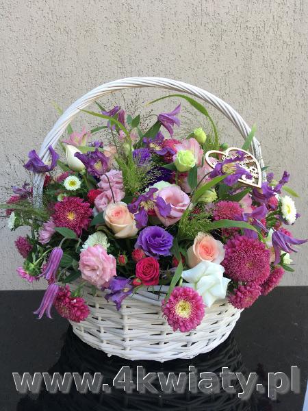 kolorowy kosz kwiatów, kosz z kwiatami dostawa