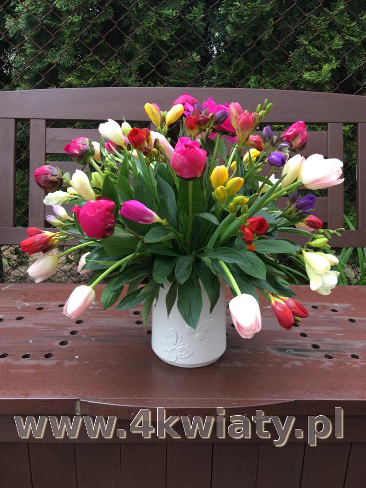 Flowerbox, pudełko z kwiatami.