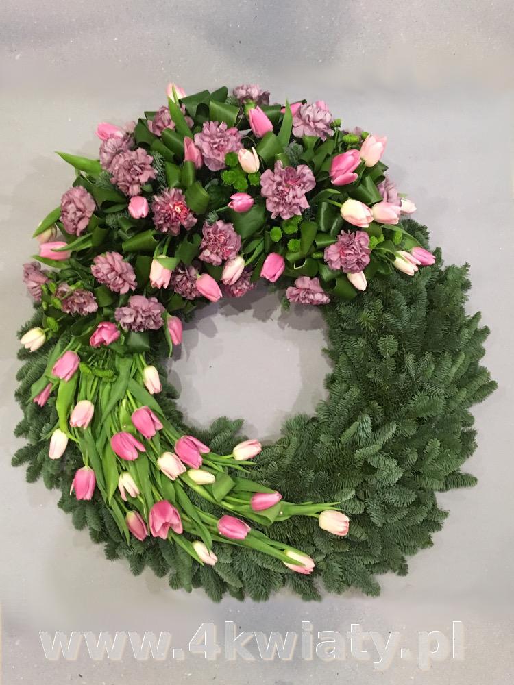 Wieniec na pogrzeb z dostawą, różowe kwiaty. Wieniec rzymski wity