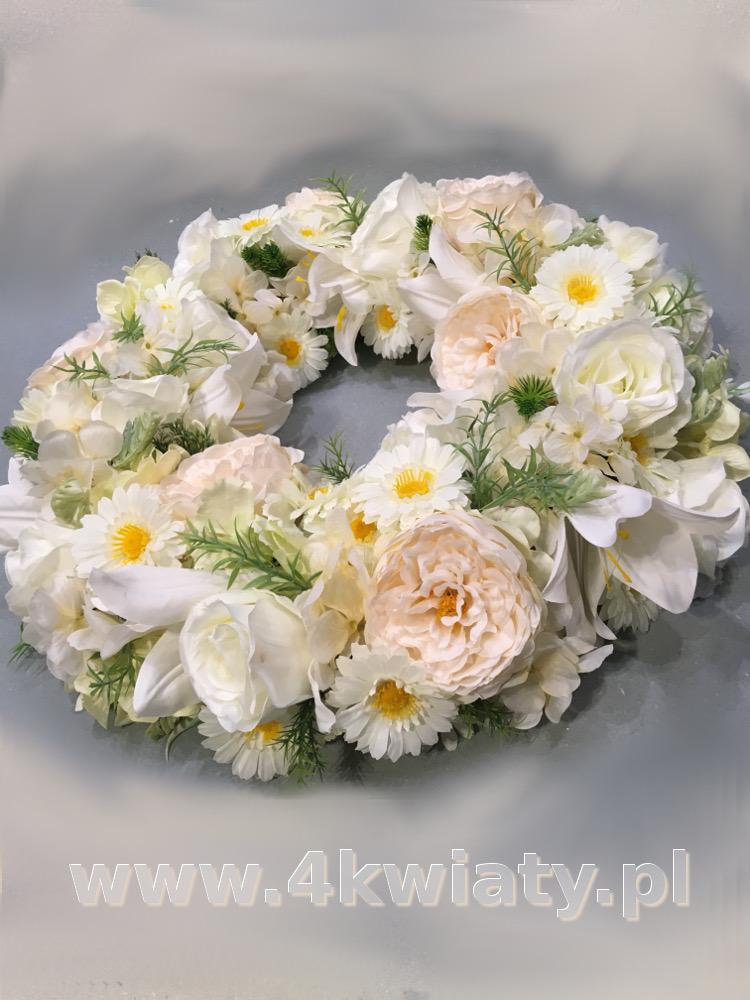 Wieniec na pogrzeb ze sztucznych, białych kwiatów. Dostawa Warszawa, Nieporęt, Legionowo, Marki