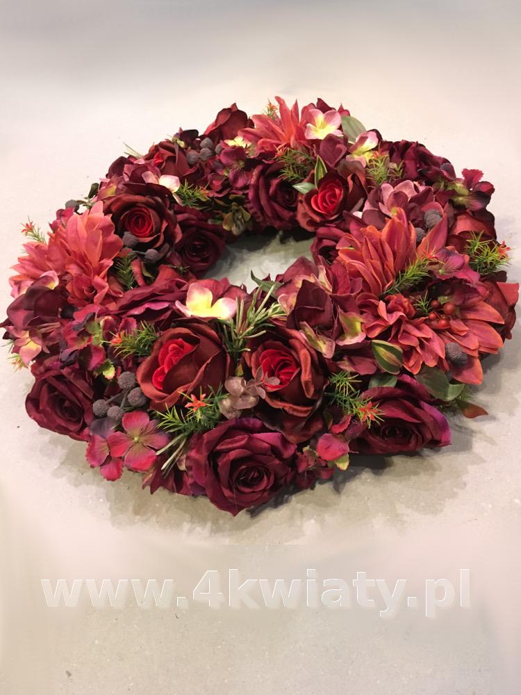 Wieniec żałobny ze sztucznych kwiatów, bordowy