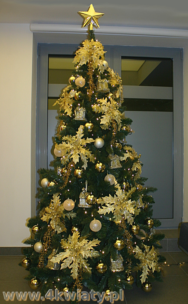 choinka złota, dużo dekoracji, bogato ubrana do firmy z dostawą choinka sztuczna do biura