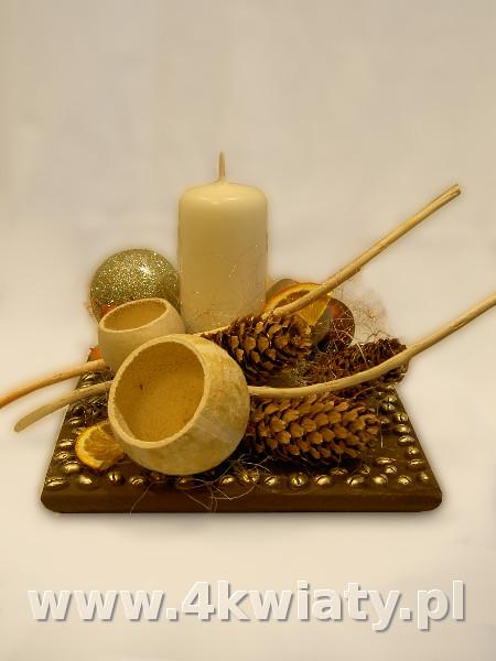 Brązowy stroik bożonarodzeniowy, kawa, szyszki świerka, susz egzotyczny
